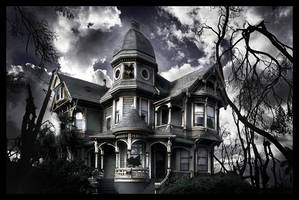 Haunted House by TiffanySketches