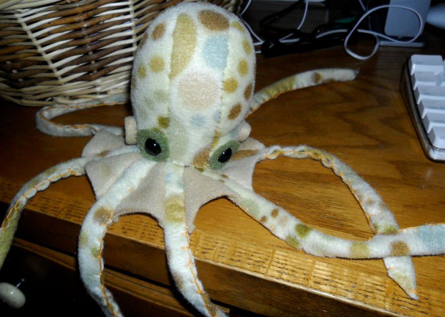 Mervin The Octopus Plush by eggsistoast