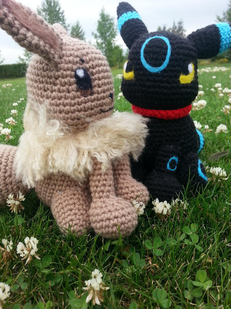 Amigurumi: Umbreon + Eevee by HellequinPrince on DeviantArt