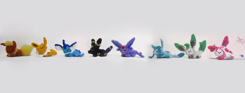 Sleepy Eeveelutions Amigurumis by AmiAmaLilium