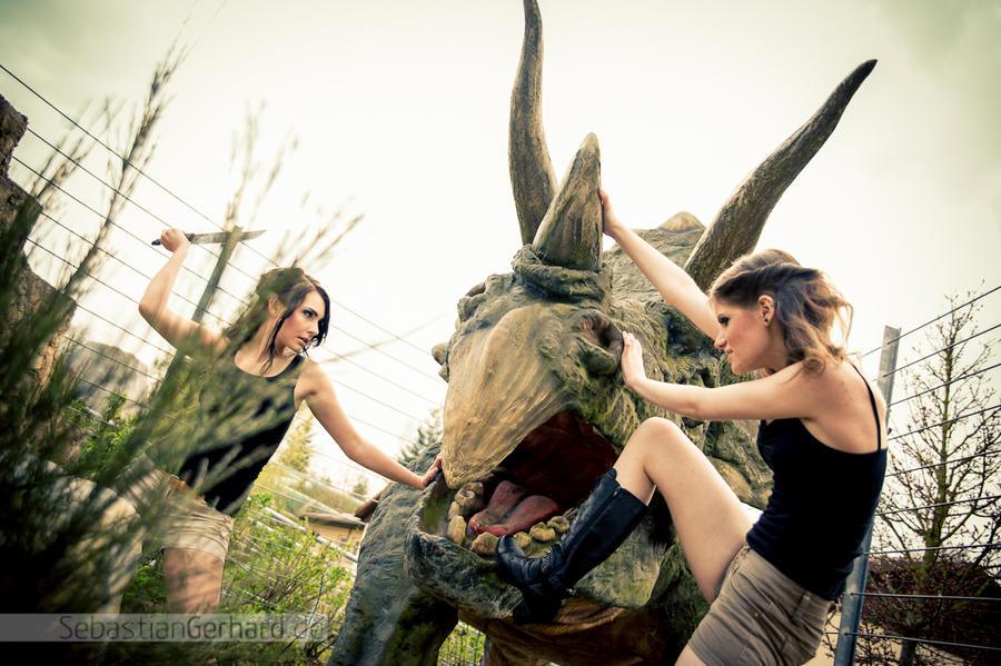http://fc07.deviantart.net/fs71/i/2012/106/4/b/like_gladiators_by_roxanadellamorte-d4wd430.jpg