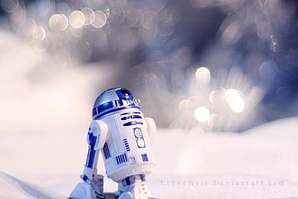 R2D2 by ElyneNoir