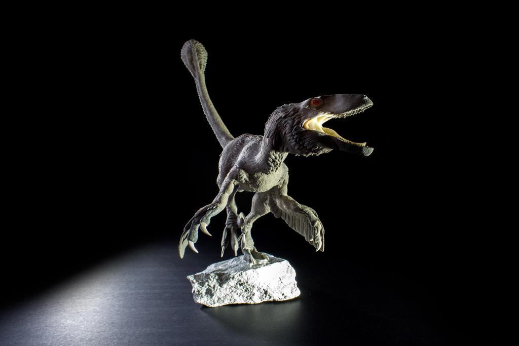 deinonychus sculpture by pheaston - photo #19