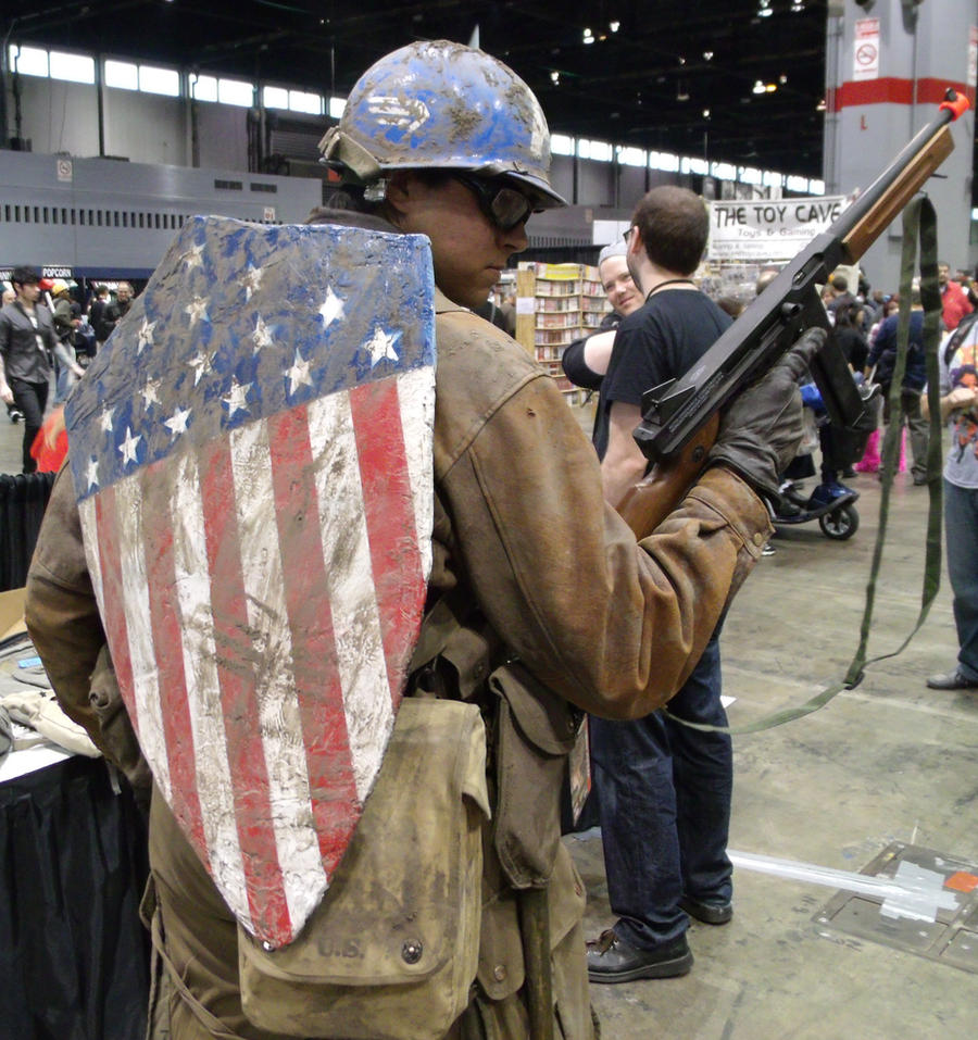 The First Avenger @ C2E2 2012 by MonkeySquadOne