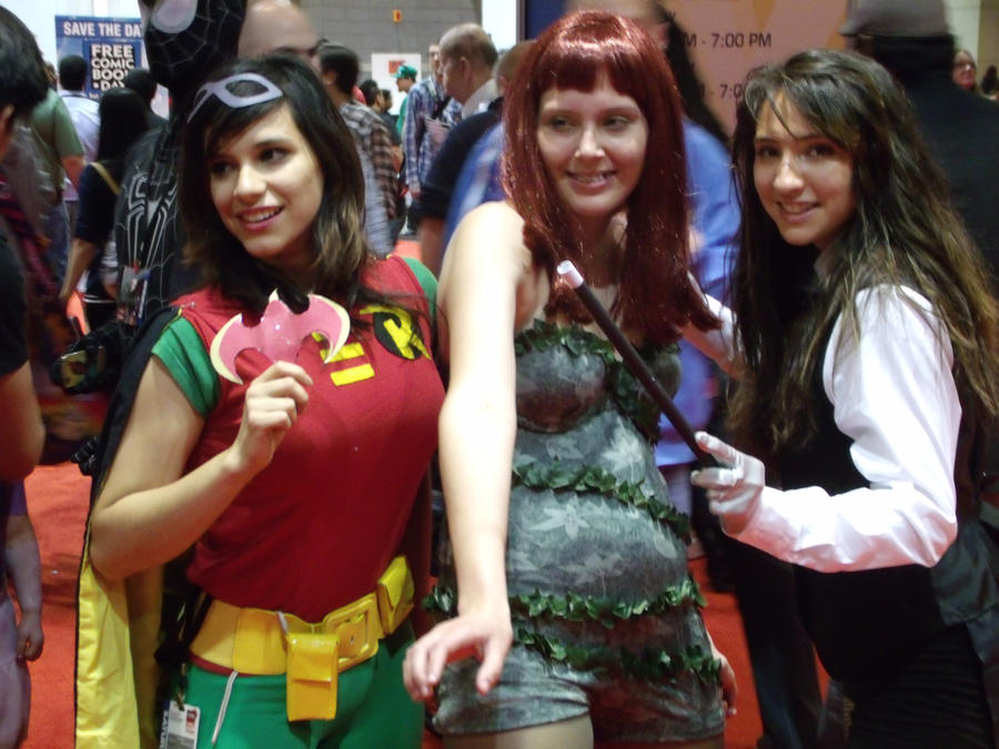 Robin, Ivy and Zatanna @ C2E2 2012 by MonkeySquadOne