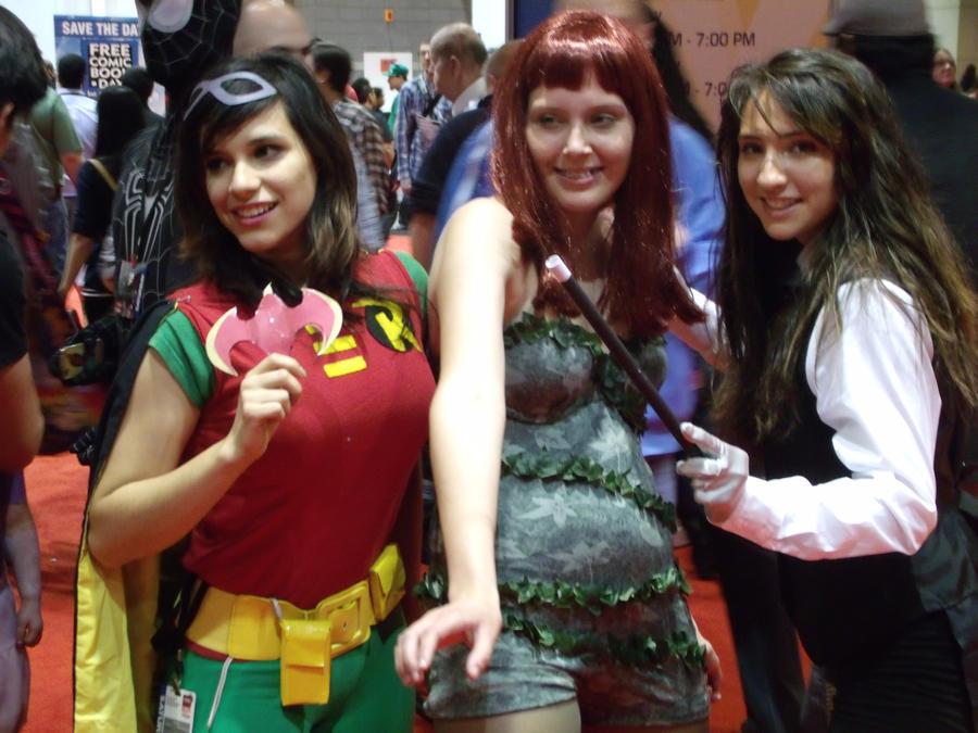 Robin, Ivy and Zatanna @ C2E2 2012 by MonkeySquadOne