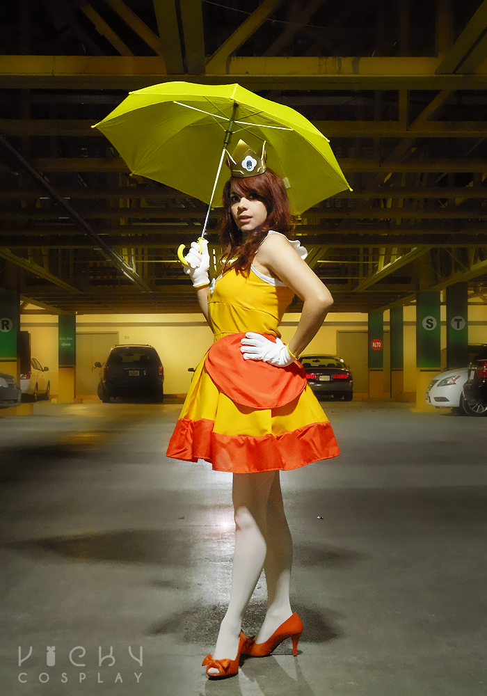 Princess Daisy cosplay by VickyxRedfield