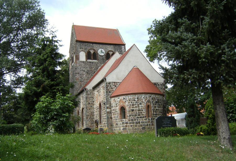Honow Church by DamaInNero