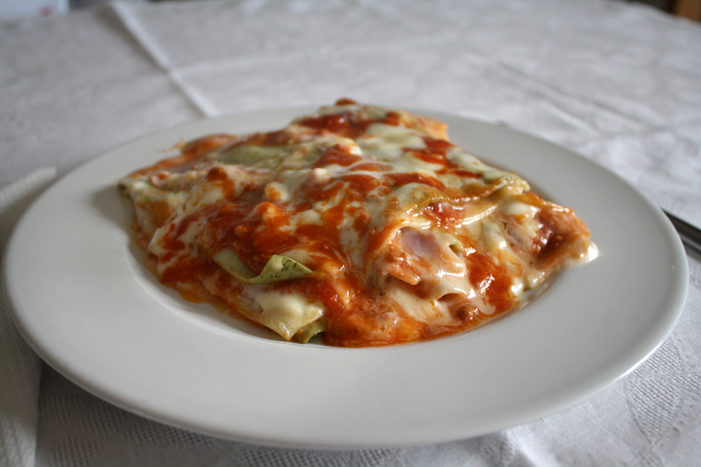 Buon Appetito! by DamaInNero