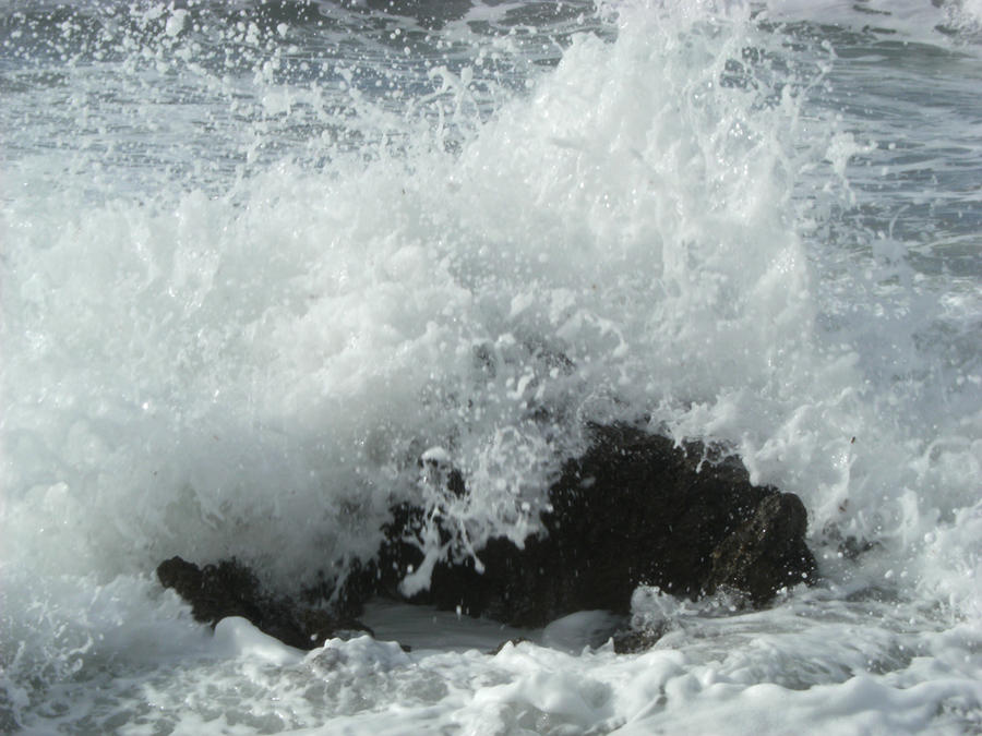 Fear The Sea by DamaInNero