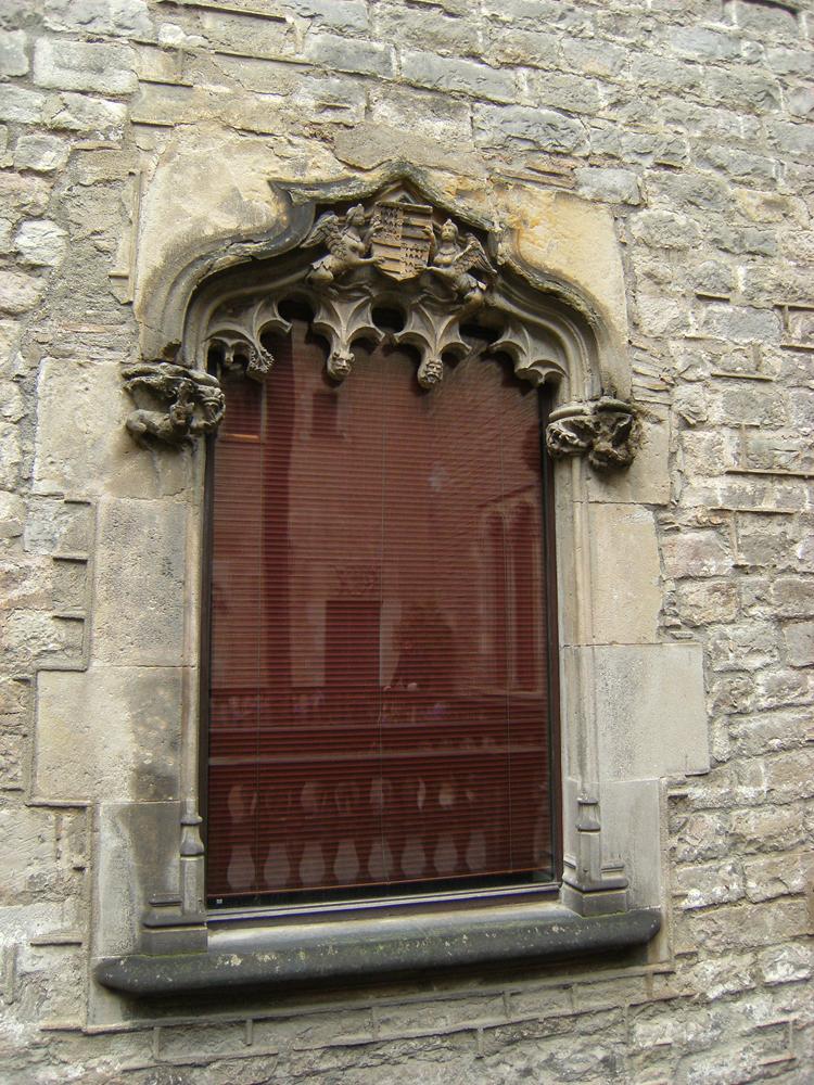 Gothic Window by DamaInNero