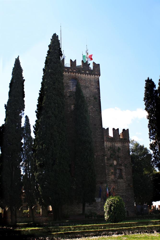 The Castle of Conegliano by DamaInNero