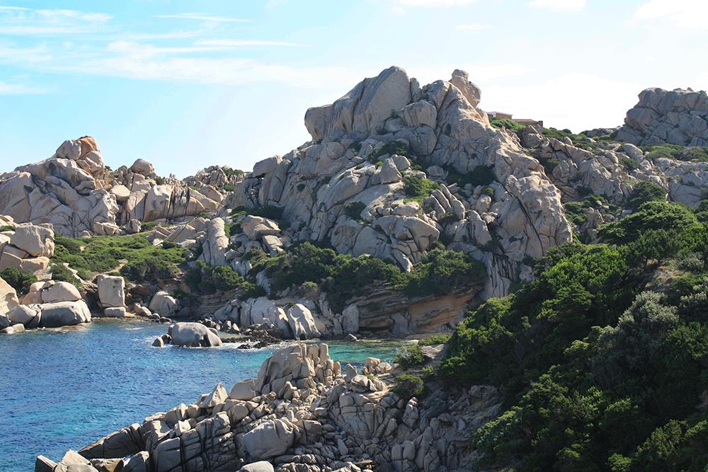 Sea And Granite by DamaInNero