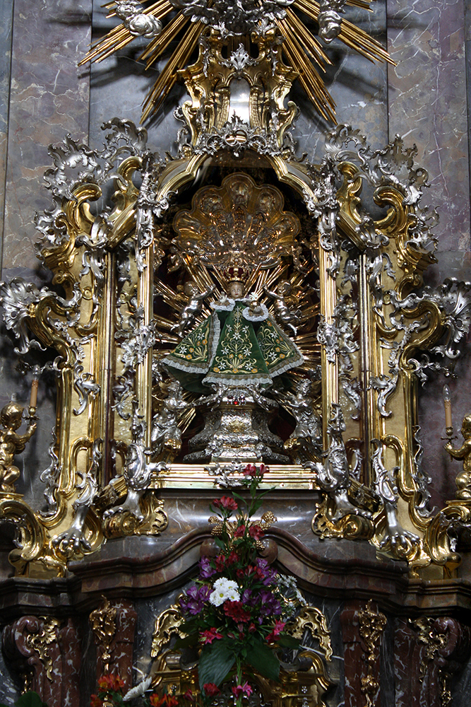 Infant Jesus Of Prague by DamaInNero