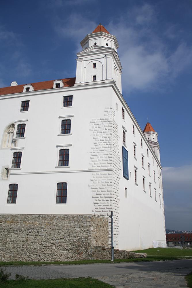 Bratislava Castle II by DamaInNero