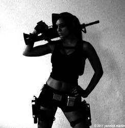 Black and White Lara by illyne