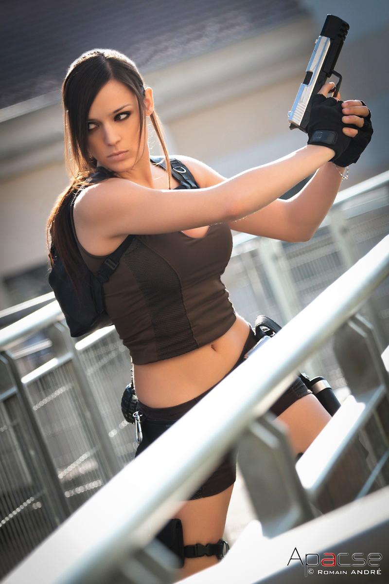Lara Croft Japan event by illyne