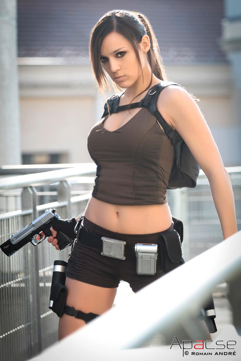 lara croft japan event2 by illyne