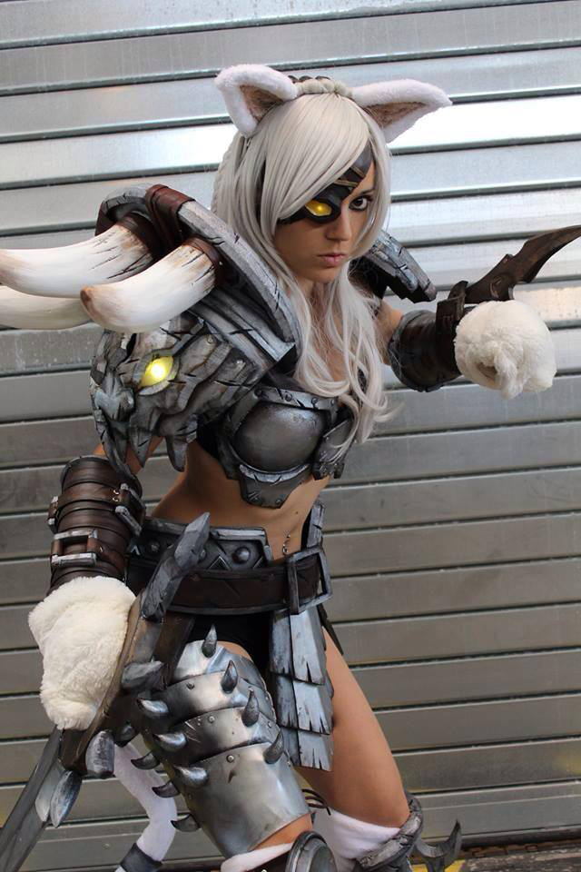 Rengar Cosplay by illyne by illyne