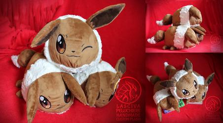 Eevee polochon custom plush by Peluchiere