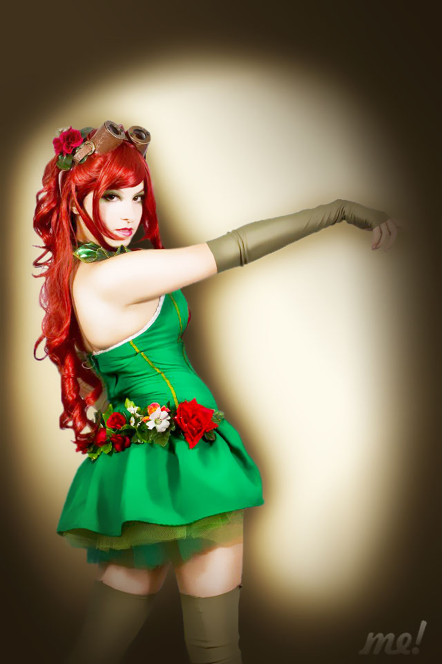 Steampunk Poison Ivy Cosplay by usagiyuu