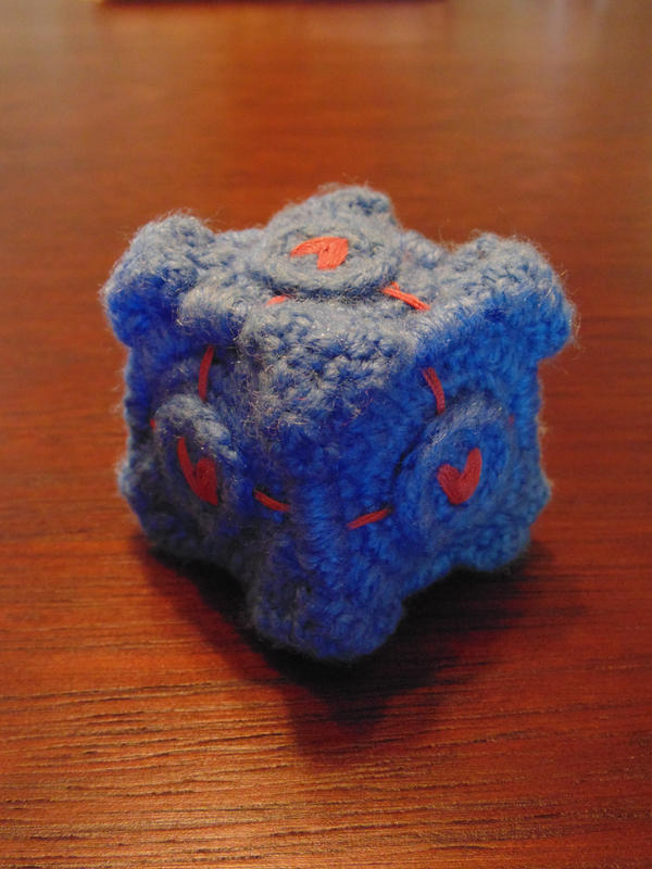 Companion Cube by AbyLockhart