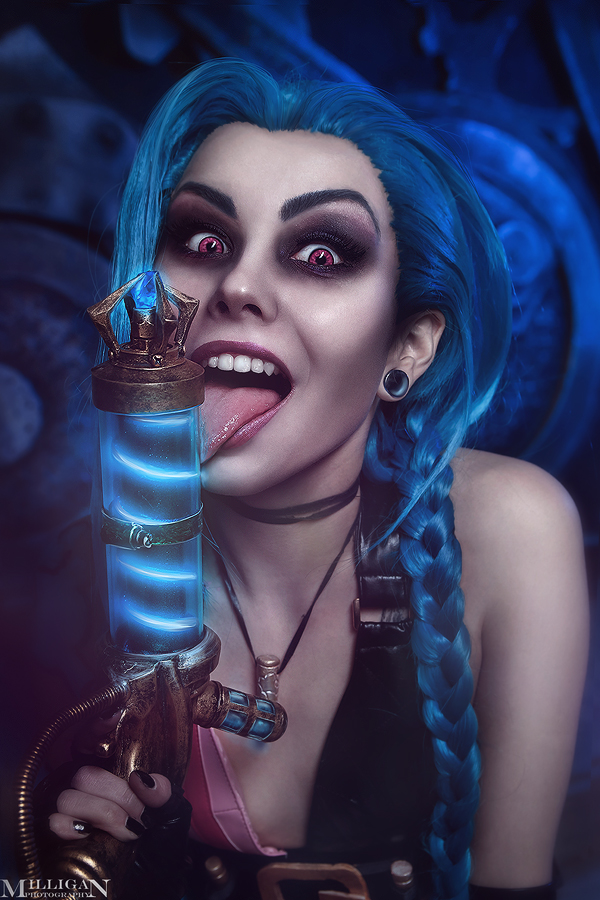 LOL - Jinx - Becoming insane by MilliganVick