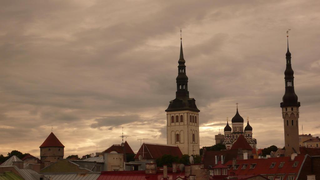 An 'orange' Tallinn by ItineresAlexandris