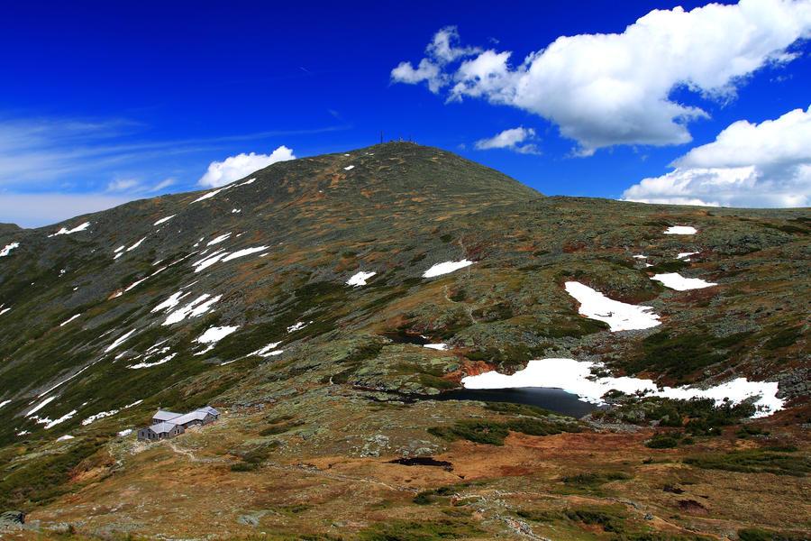 Summit of Mt Washington by Celem