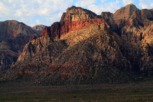 Zoom on Spring Mountains by Celem