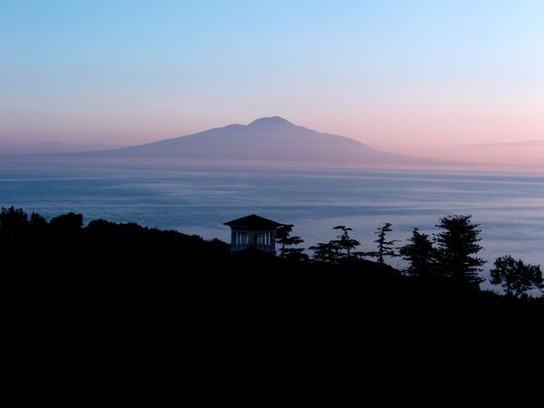 Mount Vesuvius by Scubaozgirl