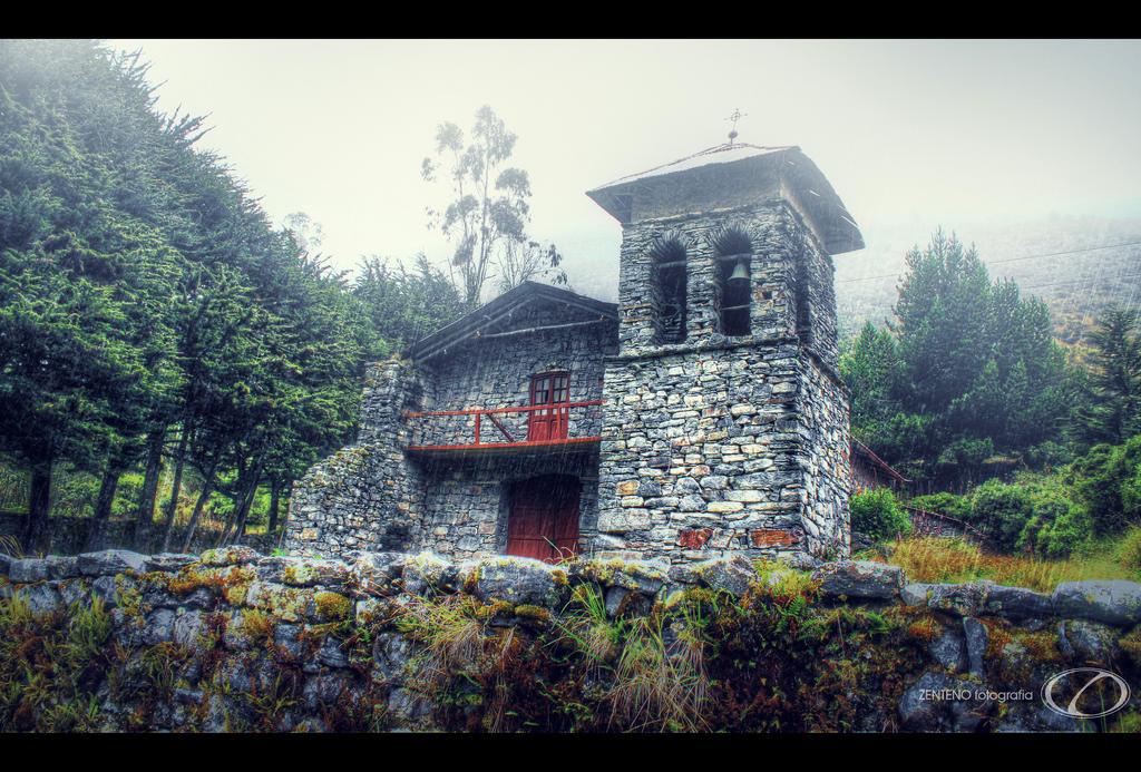 iglesia de pongo by zentenophotography