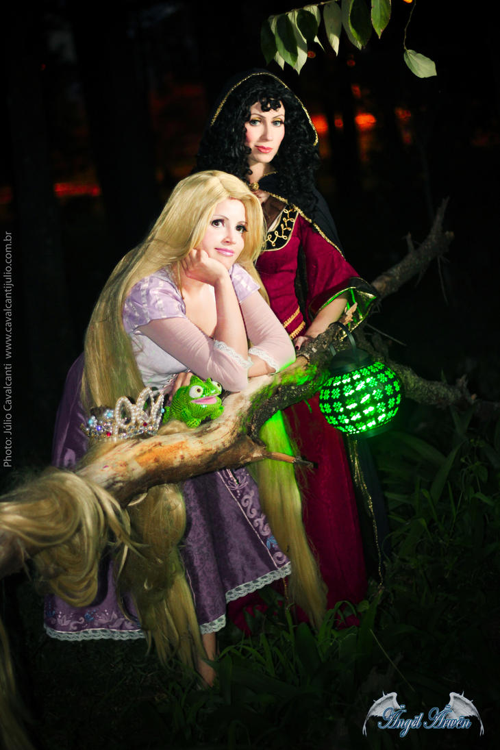 Don't be a Dummy, come with mommy - Rapunzel by Angel--Arwen