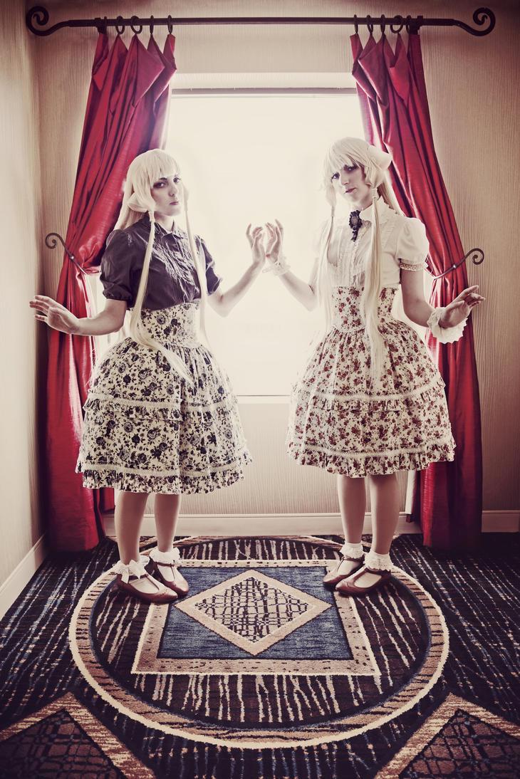 Sisters by xRikku-chanx