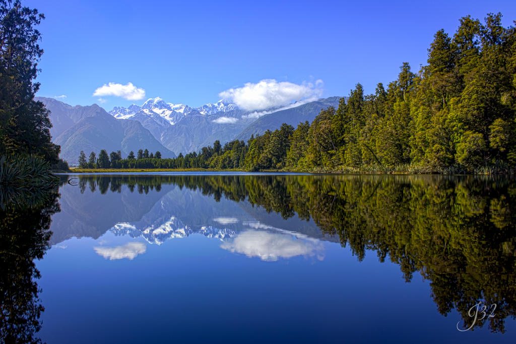 Lake Matheson, Fox Glacier, New Zealand by es32
