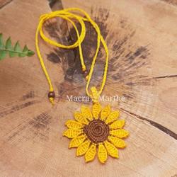 Macrame sunflower necklace