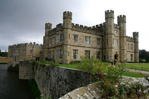 Leeds Castle by AbsyntheMyndedArt