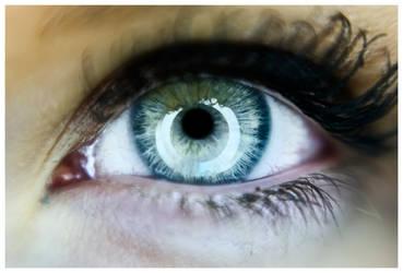 An Eye by alvin-bon-bon