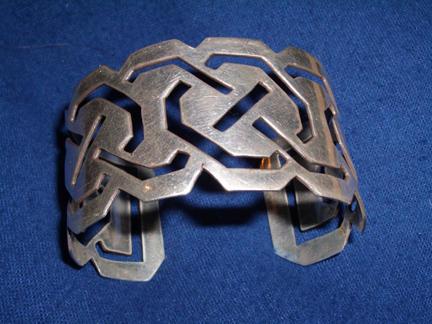 knotwork cuff by maritimus-child