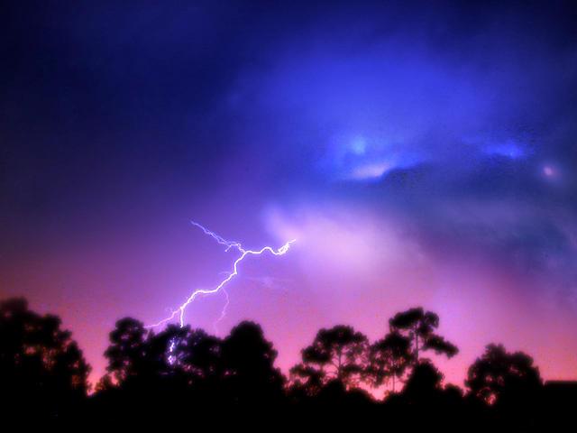 ::Lightning:: by dophineh
