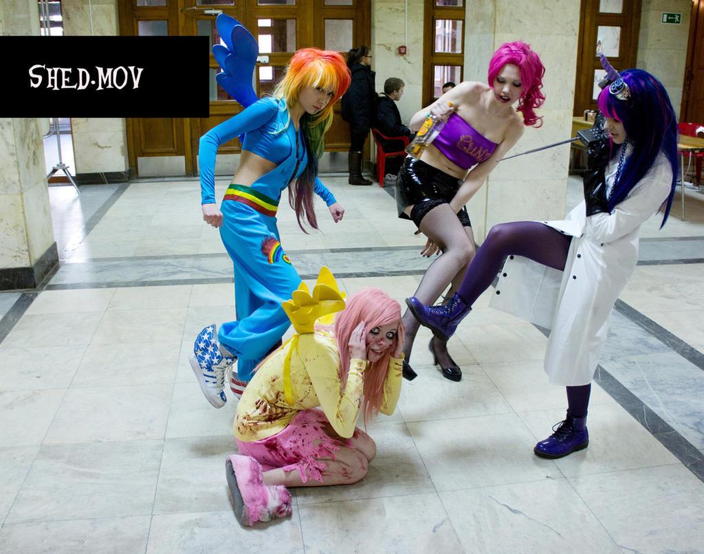 Pony.MOV cosplay: poor Flatty XD by palecardinal
