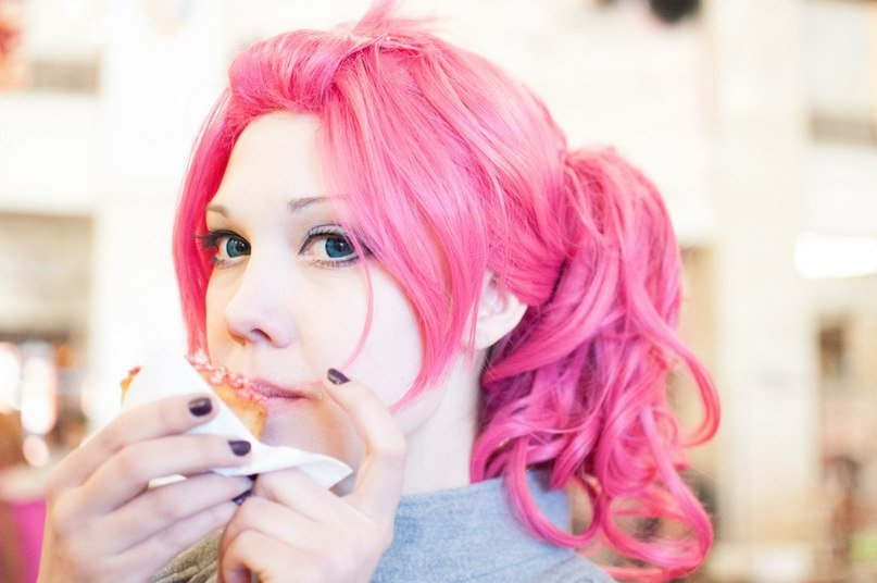 Omnom PinkiE cosplay.MOV by palecardinal
