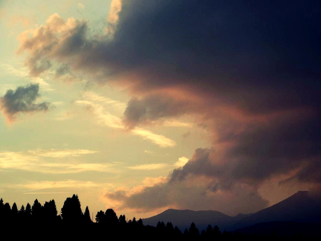 Sunset over the Dolomiti by MorgueCaroObitorio
