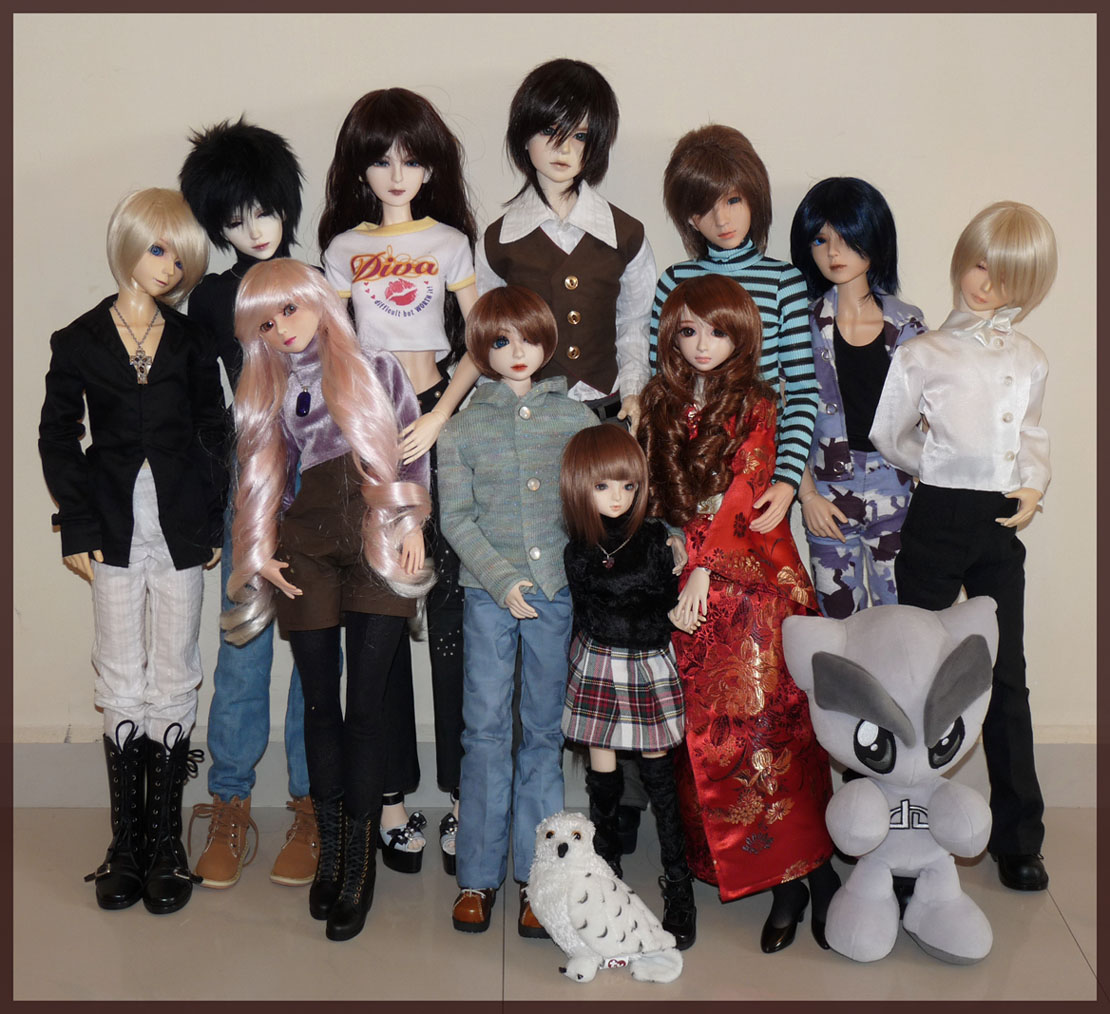 Dreamstone's Family (featuring Fella) + Meet my 1/6 Ladies The_One_third_Universe_by_dreamstone