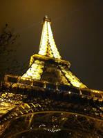 Eiffel de nuit by Merlyn-Wooden