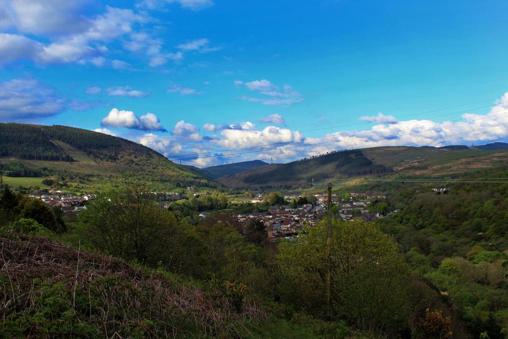 Mountains by Not-Morgan-Freeman