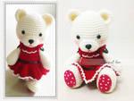 Crochet bear in dress