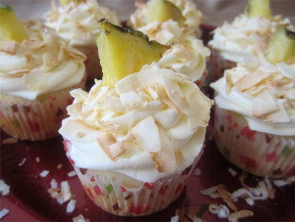 Pina Colada Cupcake by Deathbypuddle