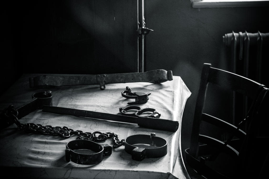 Cuffs and shackles by DanielGliese