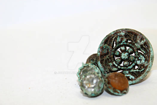 Antiqued Buttons
